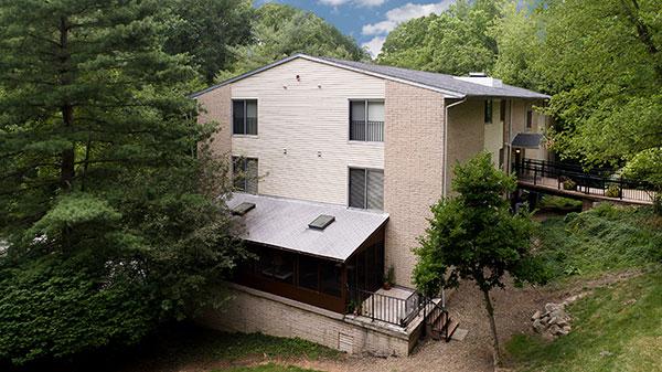 A building on the campus at at Hamlet at Chagrin Falls.