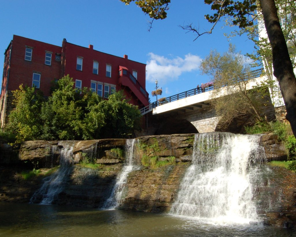hamlet at chagrin falls waterfall